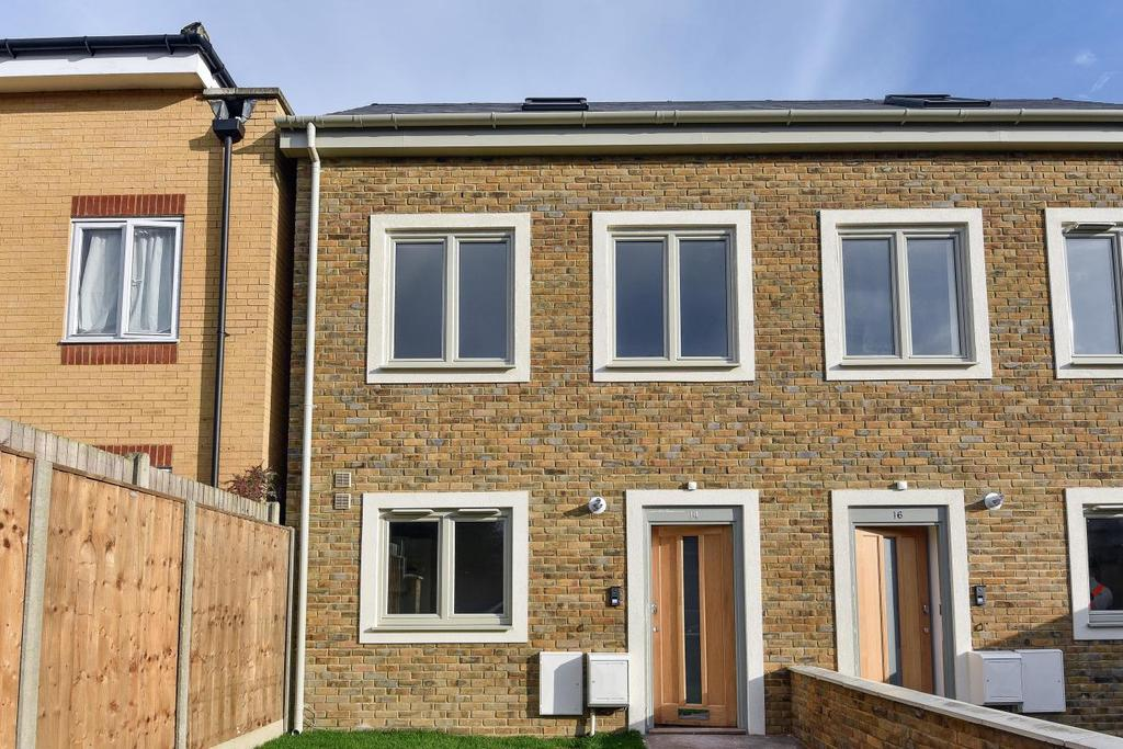 1 Bedroom Semi Detached House for sale in Park Rise Road, Forest Hill