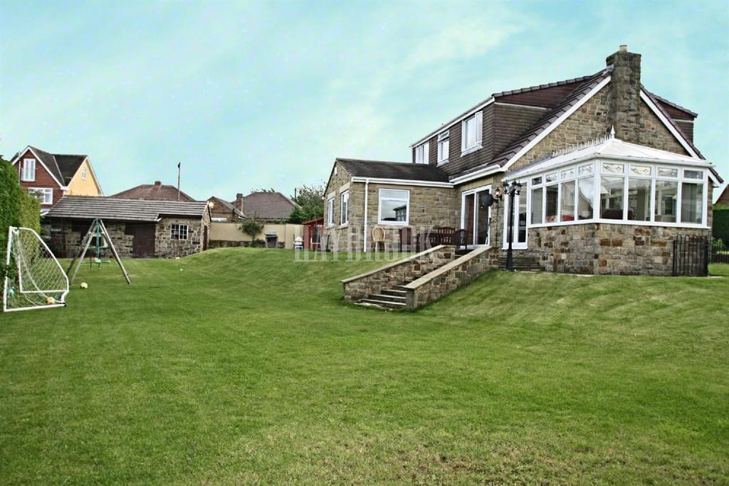 5 Bedrooms Bungalow for sale in Coal Pit Lane, Stocksbridge