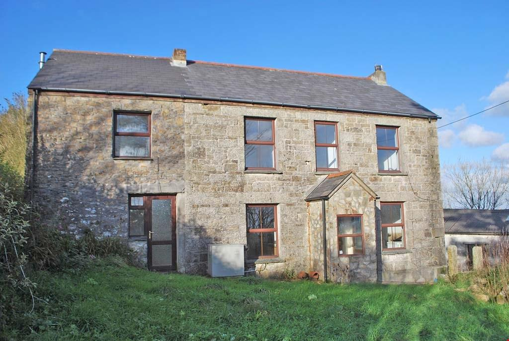 3 Bedrooms Detached House for sale in Rame Cross, between Falmouth and Helston, Cornwall, TR10