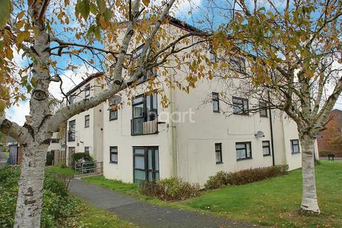 2 bedroom flat for sale - Little Cattins, Harlow