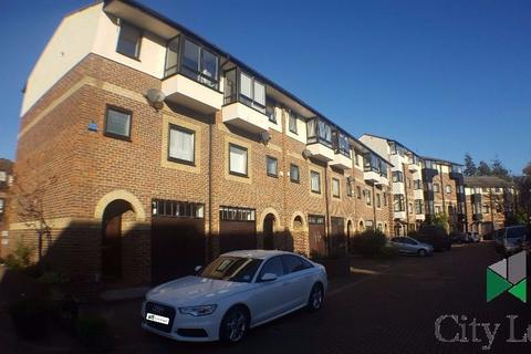 3 bedroom terraced house to rent - Barnfield Place, London E14