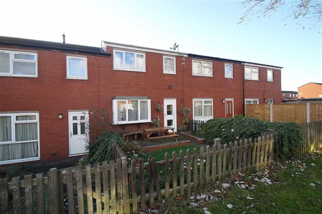 3 Bedrooms Terraced House for sale in Aysgarth Walk, Leeds