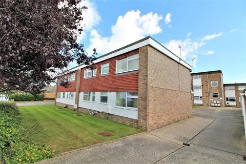 2 bedroom flat for sale - Easton Way, Frinton-On-Sea