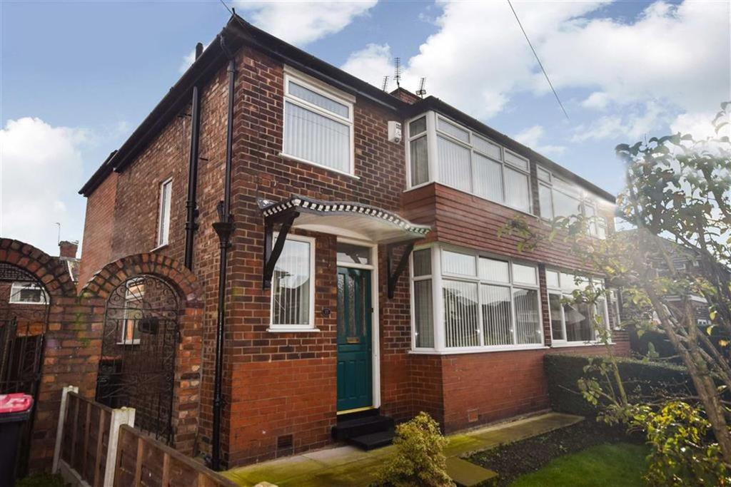 3 Bedrooms Semi Detached House for sale in Chiltern Drive, Swinton