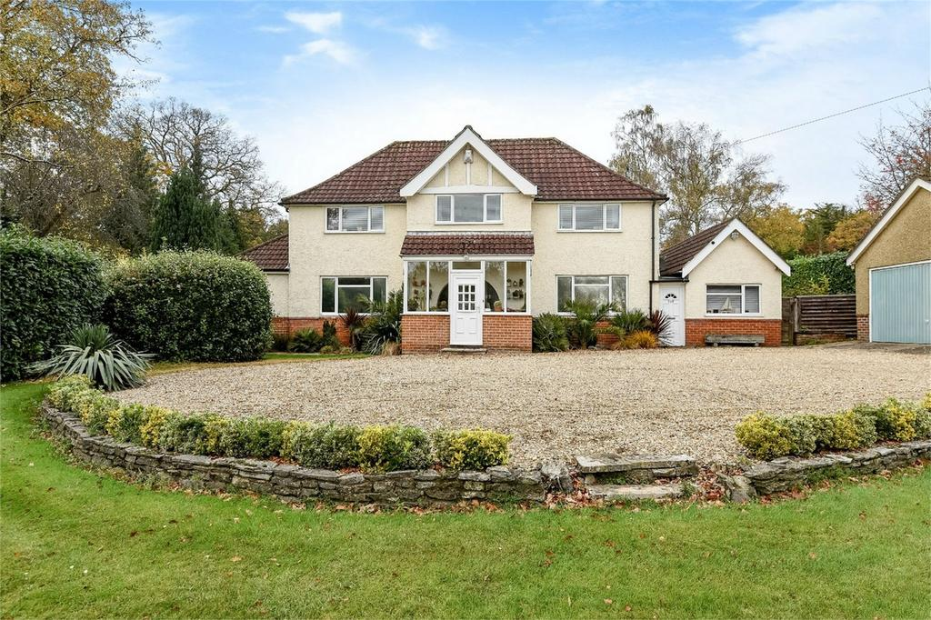 4 Bedrooms Detached House for sale in Winchester Road, Chandler's Ford, Hampshire