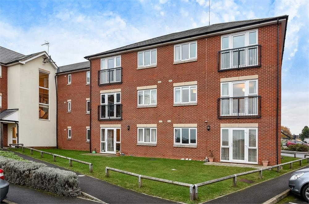2 Bedrooms Flat for sale in William Morris Close, Cowley, Oxford