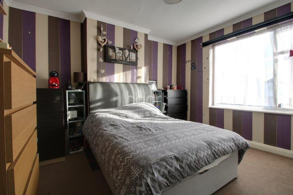 3 Bedrooms Terraced House for sale in Lodge Avenue, Croydon, CR0