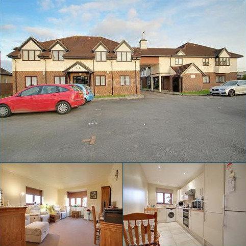 2 bedroom flat for sale - Great Pettits Lane