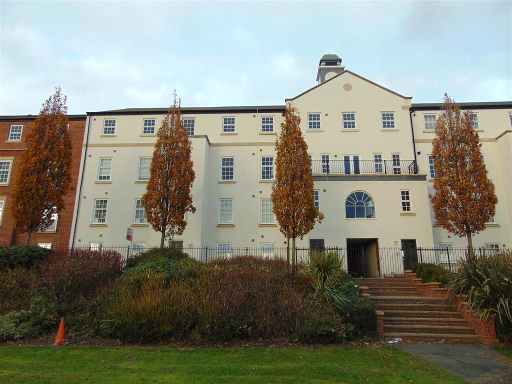 2 Bedrooms Apartment Flat for sale in Duckery Wood Walk, Great Barr