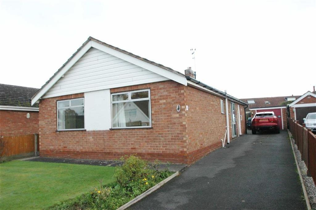 3 Bedrooms Detached Bungalow for sale in Iver Road, Upton, Chester