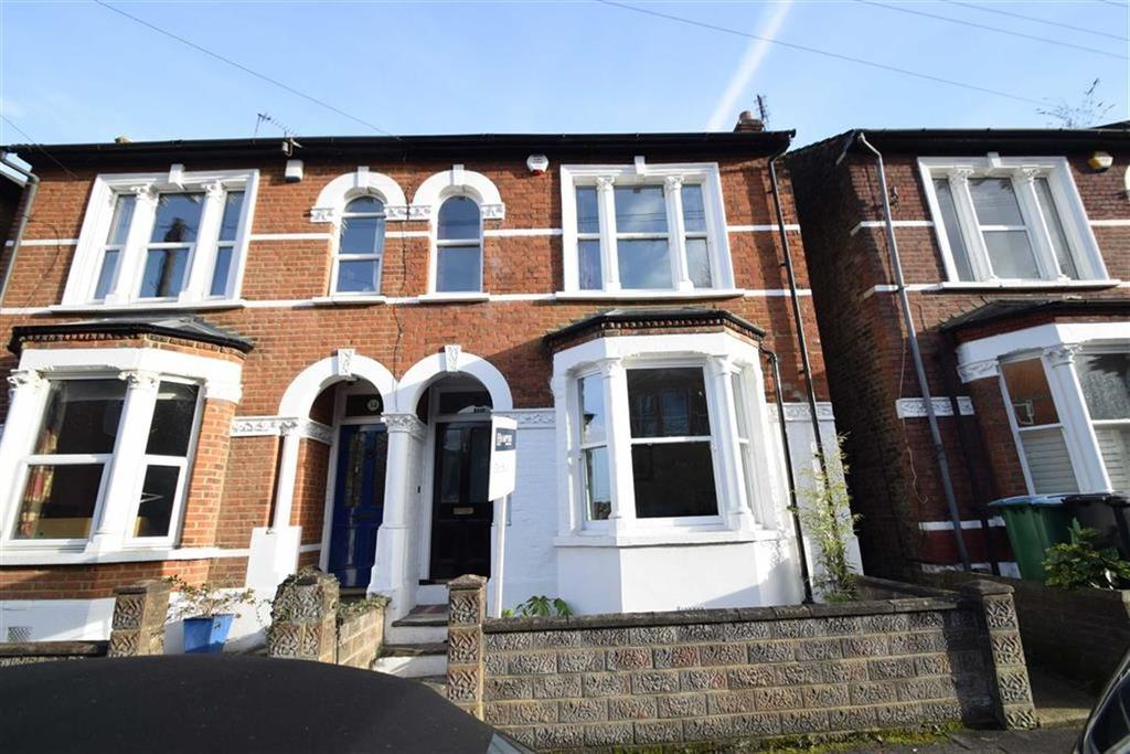 3 Bedrooms Semi Detached House for sale in Grosvenor Road, Watford, Herts