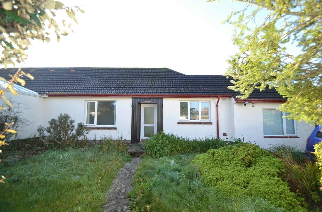 3 Bedrooms Bungalow for sale in Warren Close, Torrington