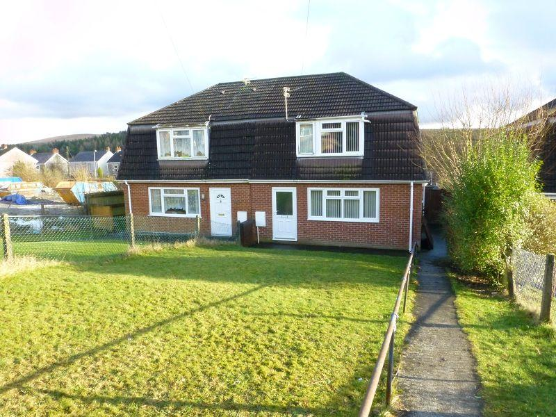 3 Bedrooms Semi Detached House for sale in Heol Y Gelynen , Upper Brynamman, Ammanford, Carmarthenshire.