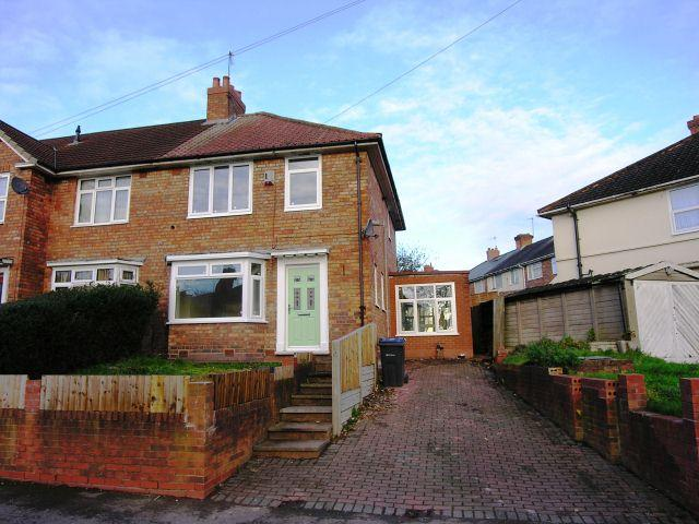 3 Bedrooms Semi Detached House for sale in Twickenham Road,Kingstanding,Birmingham