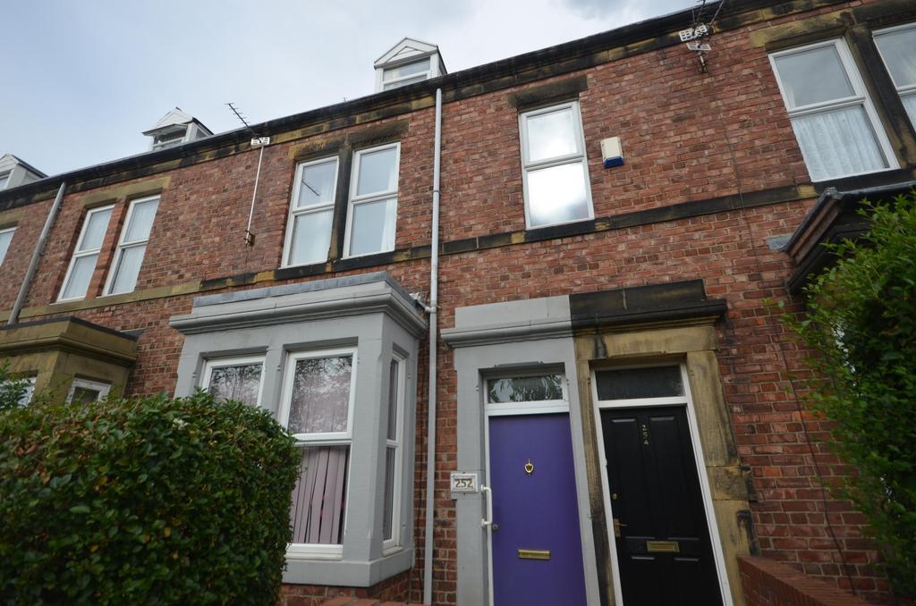 3 Bedrooms Maisonette Flat for sale in Gateshead