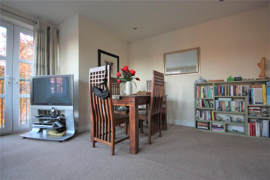 2 Bedrooms Flat Share for sale in Second Avenue, Nottingham, Nottinghamshire, NG7