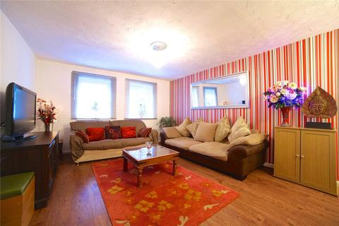 2 bedroom flat share to rent - Bishops Way, Bethnal Green, E2