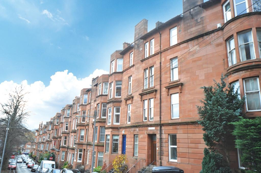 2 Bedrooms Flat for sale in 3/2, 63 Edgemont Street, Shawlands, G41 3EJ