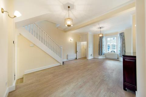3 bedroom terraced house to rent - Weiss Road, SW15