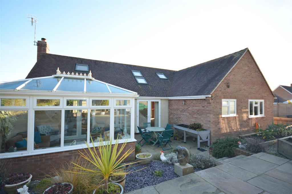 3 Bedrooms Detached Bungalow for sale in Asten Fields, Battle