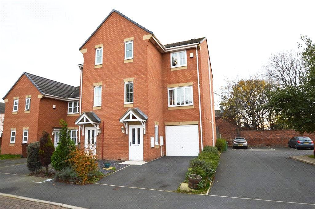 4 Bedrooms Town House for sale in Delamere Gardens, Wakefield, West Yorkshire