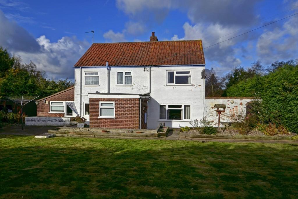 4 Bedrooms Detached House for sale in Moulton St Mary, near Acle, Norfolk