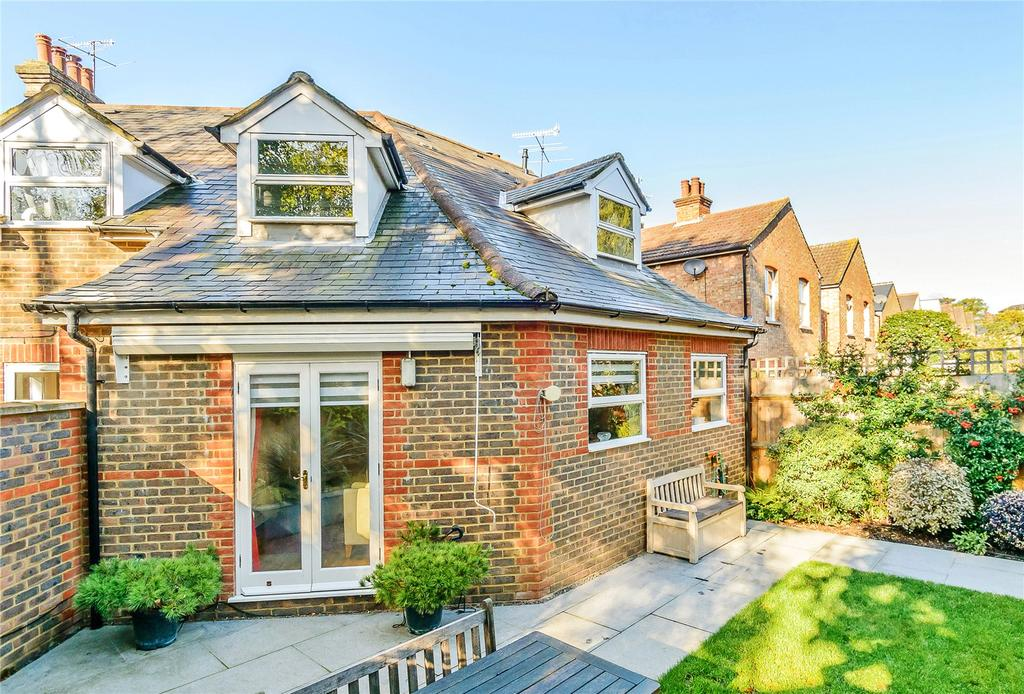 3 Bedrooms Semi Detached House for sale in Ladysmith Road, St. Albans, Hertfordshire