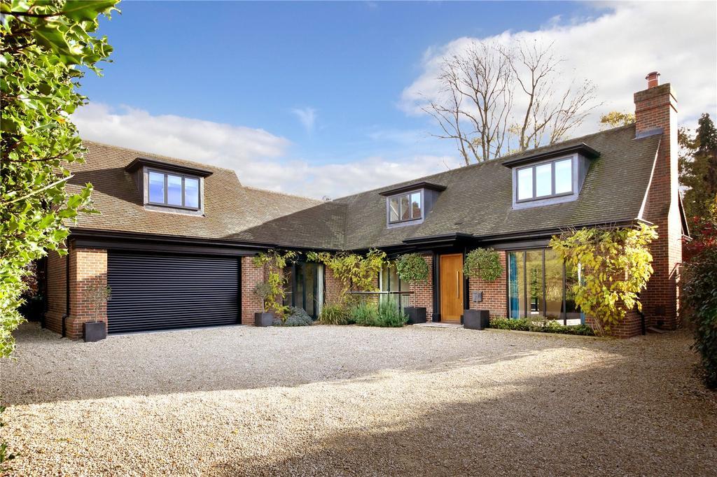 4 Bedrooms Detached House for sale in Gregories Farm Lane, Beaconsfield, Buckinghamshire, HP9