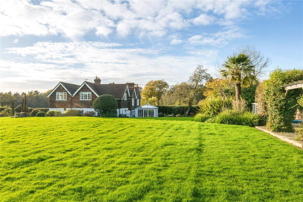 4 Bedrooms Detached House for sale in Bell Lane, Nutley, Uckfield, East Sussex, TN22