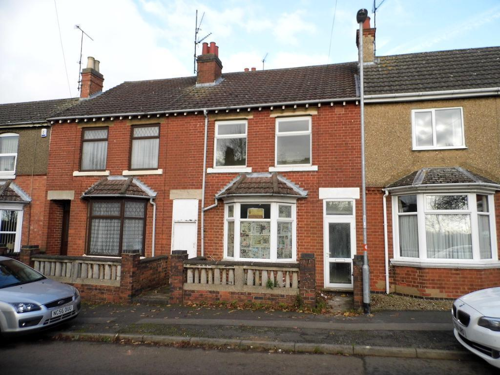 3 Bedrooms Terraced House for sale in Dunkirk Avenue, Desborough, NN14 2PL