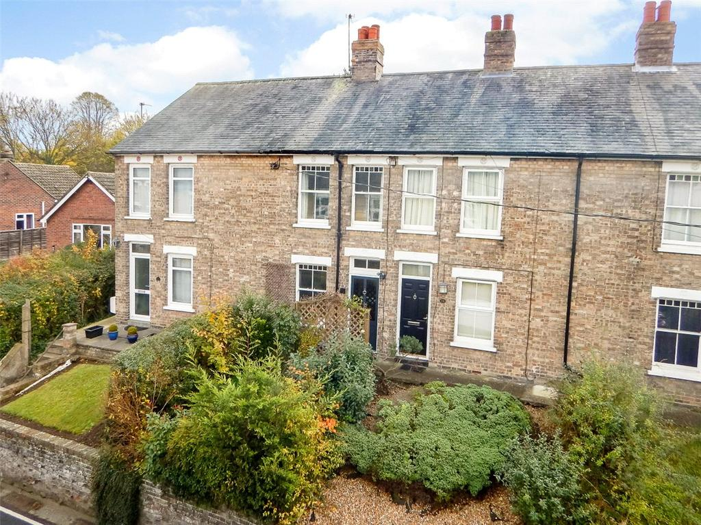 2 Bedrooms Terraced House for sale in Waldingfield Road, Sudbury, Suffolk, CO10