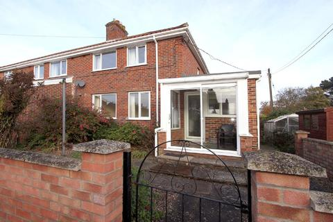 3 bedroom semi-detached house to rent - Cromwell Close, Hethersett