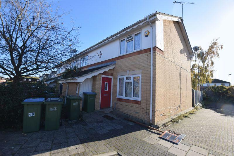 2 Bedrooms Terraced House for sale in Silver Birch Close, Central Thamesmead, SE28 8RW