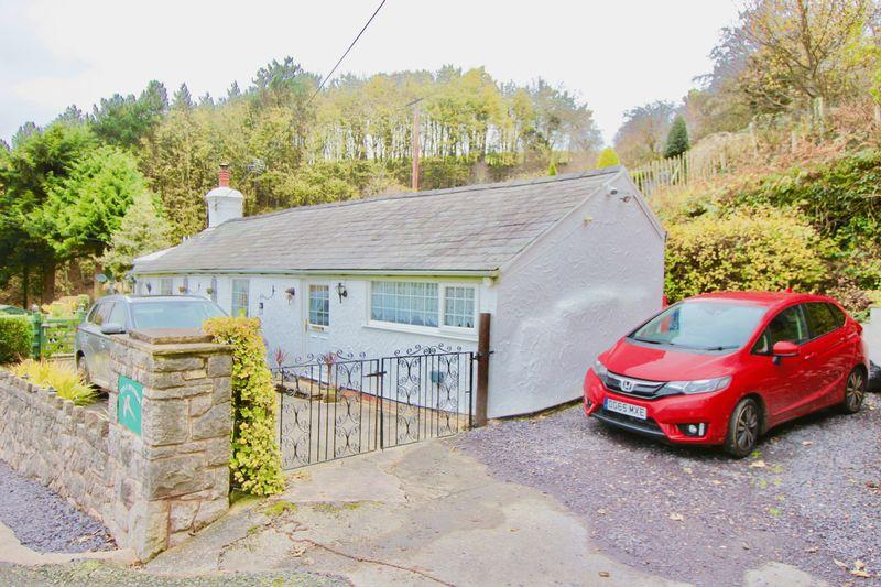2 Bedrooms Cottage House for sale in Cwm, Dyserth