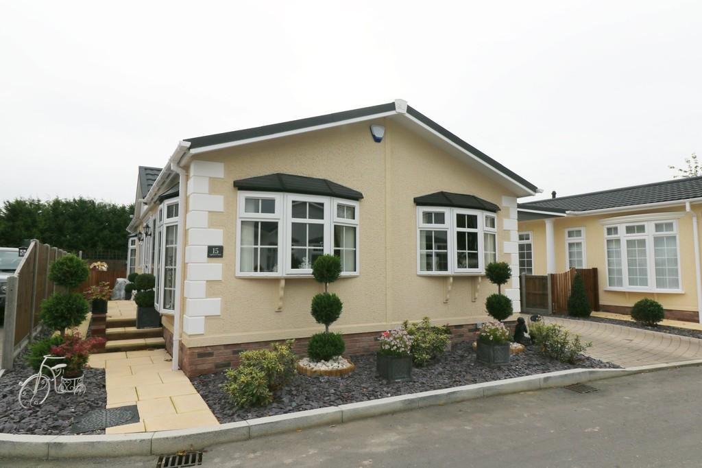 2 Bedrooms Park Home Mobile Home for sale in Appleacre, London Road, Fowlmere