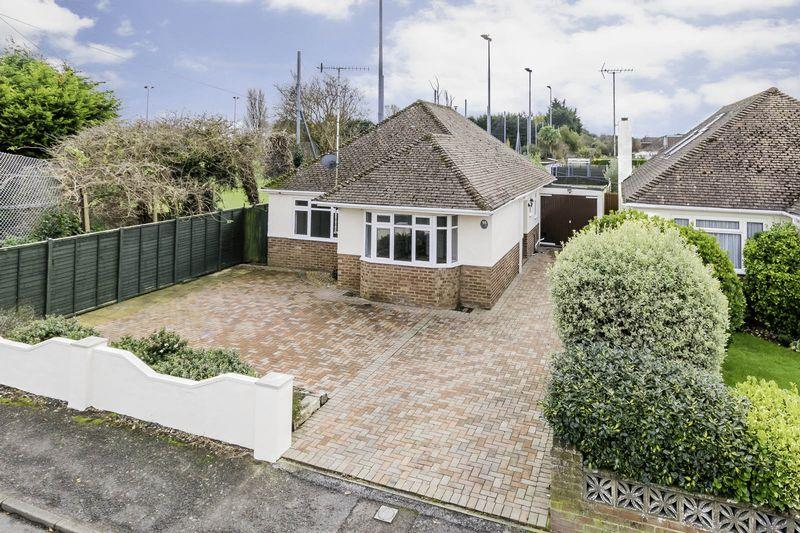 3 Bedrooms Detached Bungalow for sale in East Preston