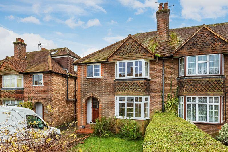 3 Bedrooms Semi Detached House for sale in Old Palace Road-Guildford