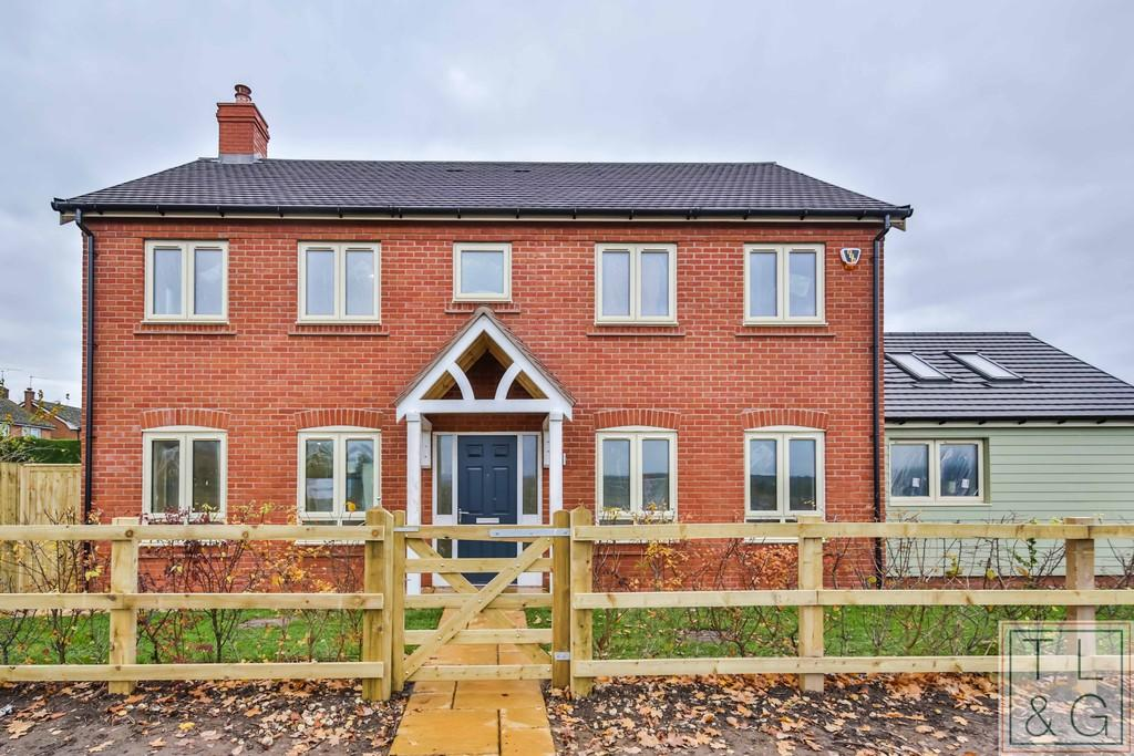 4 Bedrooms Detached House for sale in Crest Hill, Harvington