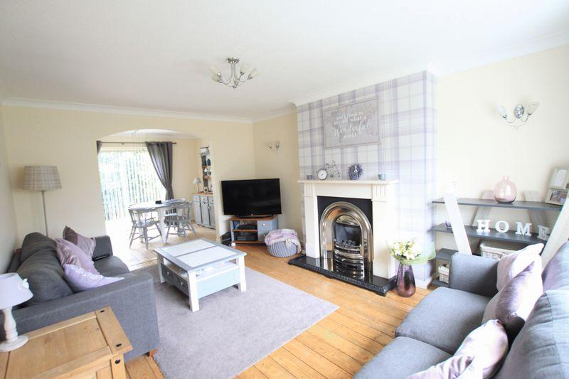 3 Bedrooms Semi Detached House for sale in Bangor, Gwynedd