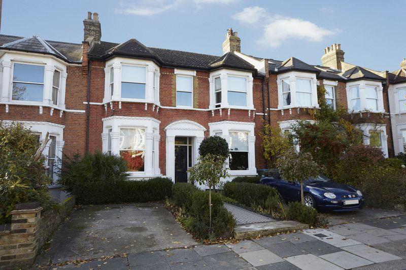 4 Bedrooms Terraced House for sale in Greenholm Road, Eltham SE9