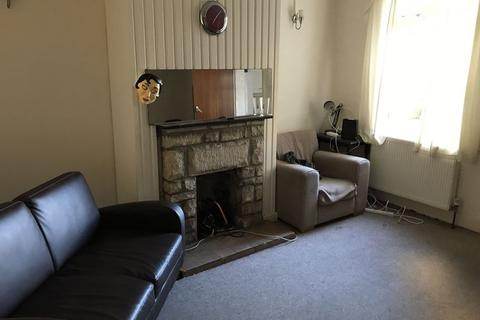 4 bedroom terraced house to rent - Beckhampton Road, Bath