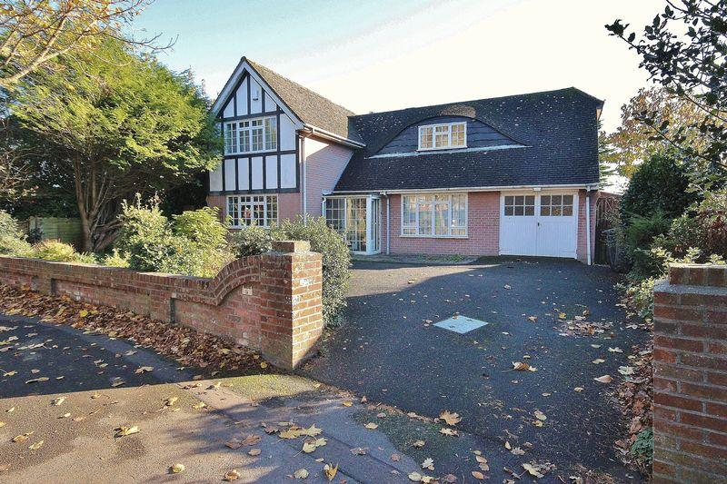 3 Bedrooms Detached House for sale in Beechwood Avenue, Boscombe Manor, Bournemouth