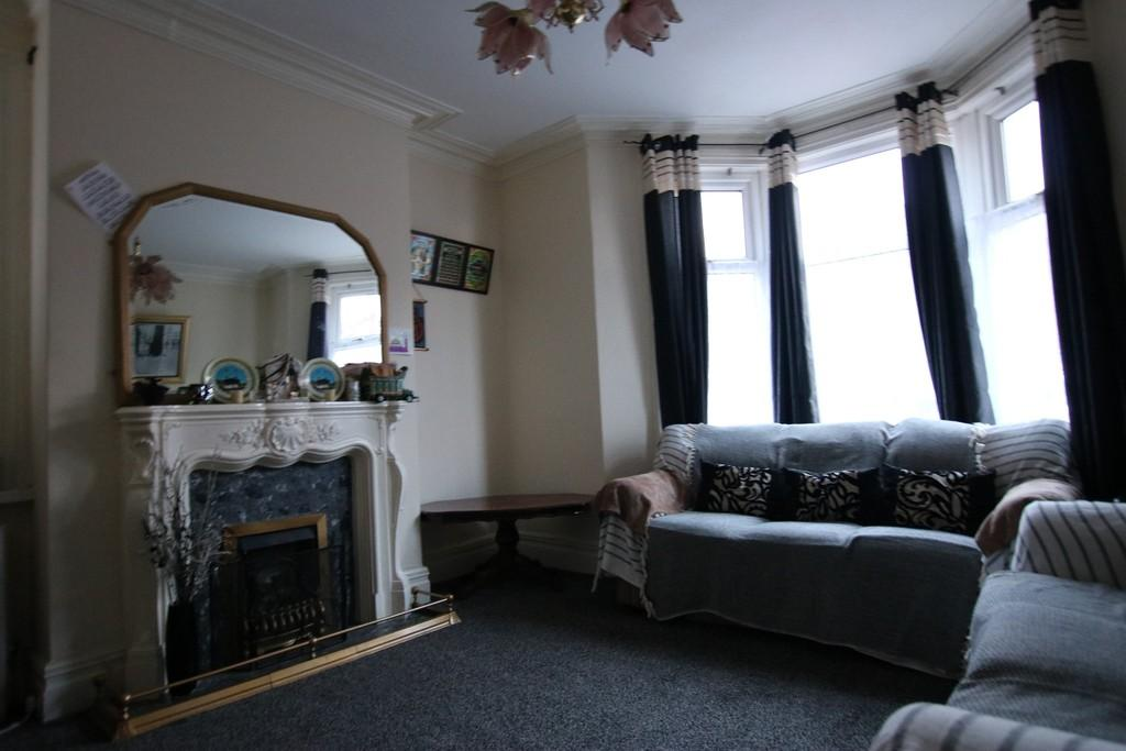 5 Bedrooms End Of Terrace House for sale in Manor Road, Wensley Fold, Blackburn