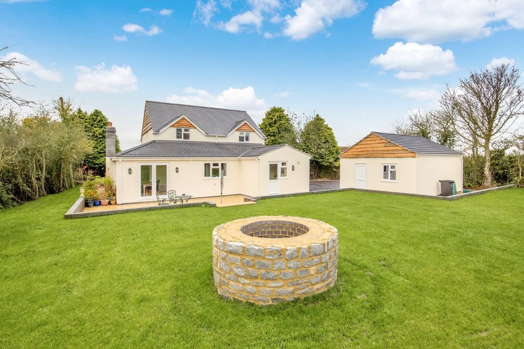 3 Bedrooms Detached House for sale in Foddington, Babcary