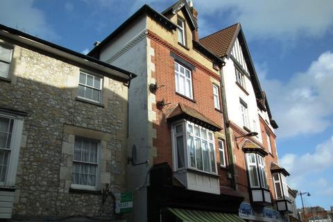 Studio to rent - High Street, Ventnor