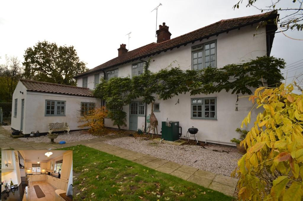 3 Bedrooms Semi Detached House for sale in High Kelling