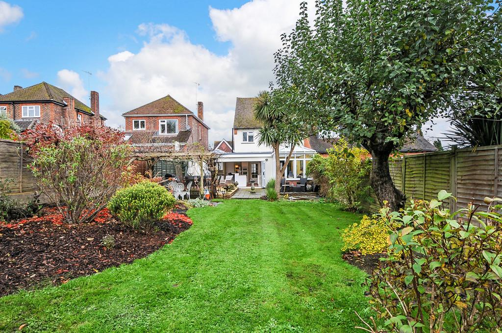 4 Bedrooms Semi Detached House for sale in Maxwell Road, Arundel
