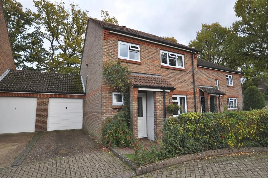 3 Bedrooms Semi Detached House for sale in Coriander Crescent, Guildford