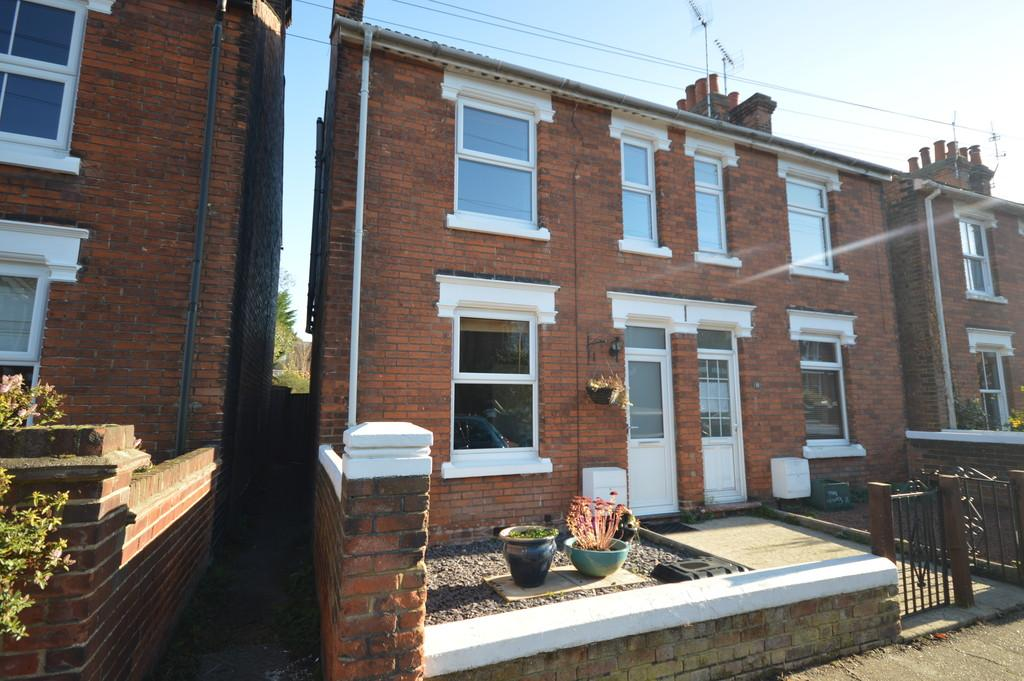 4 Bedrooms Semi Detached House for sale in Scarletts Road, Colchester