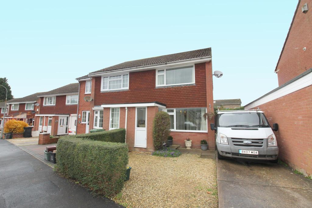 2 Bedrooms Semi Detached House for sale in Willow Road, Street